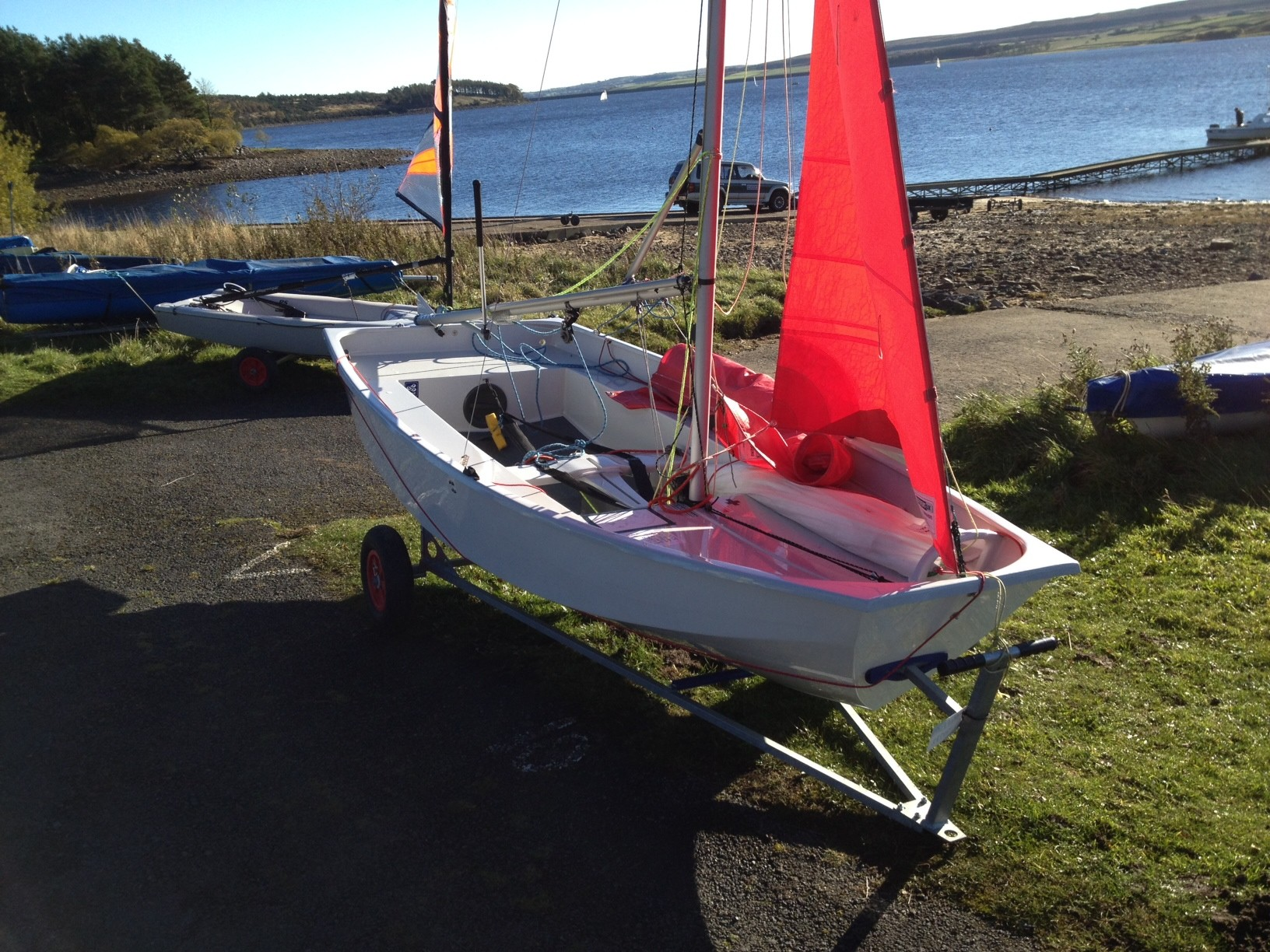Mirror race grp mk4 mirror catalogue dinghy class for Mirror yacht